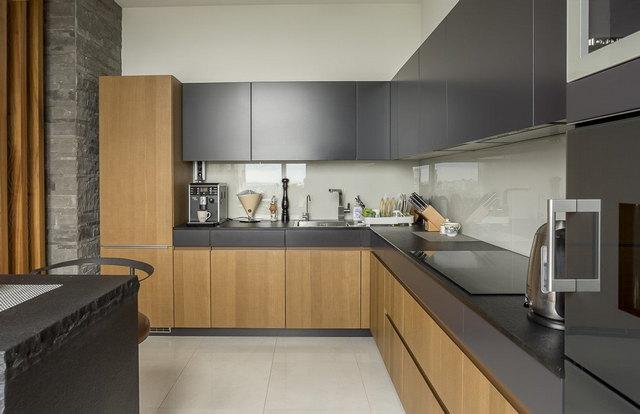 интерьер кухни в серых тонах фото пример