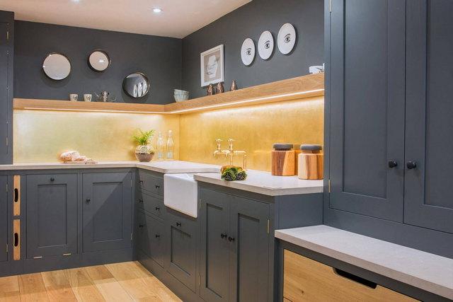 интерьер кухни в серых тонах фото
