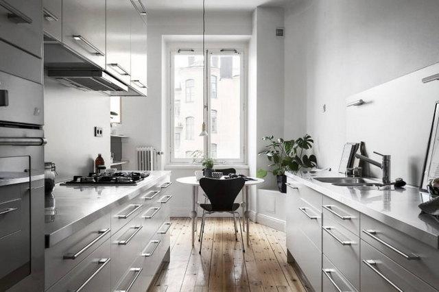 интерьер кухни в серых тонах пример