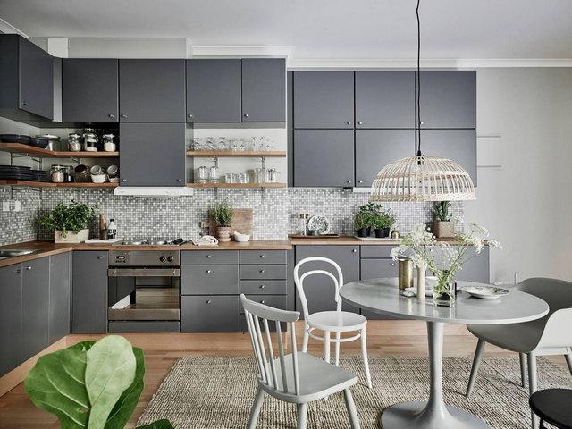 кухня в бело-серых тонах